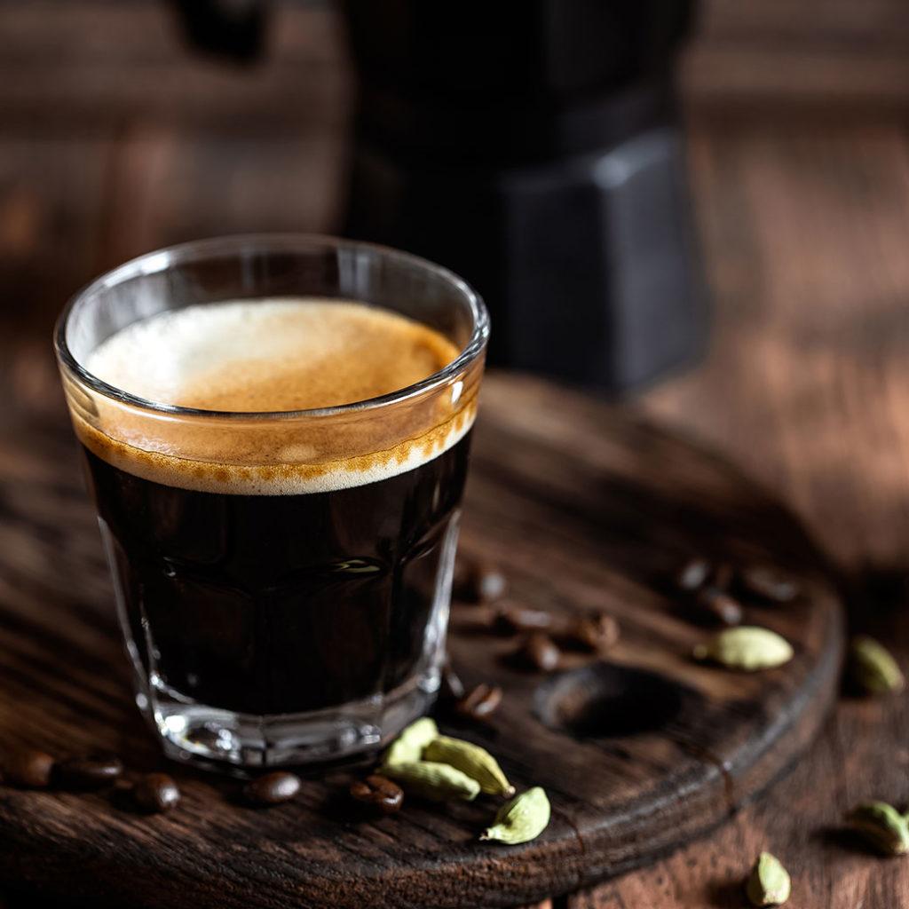 การดื่มกาแฟดำ