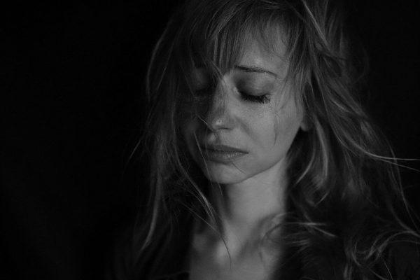 ความโศกเศร้า จากการสูญเสีย  ที่เป็นสาเหตุทำให้คุณเป็นโรคซึมเศร้าได้!